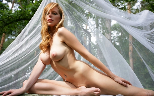 outdoor_nude-1.jpg